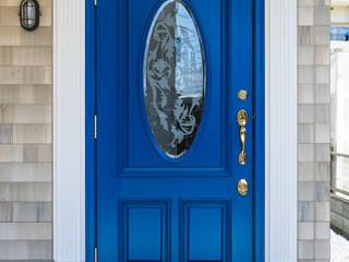 60ハウス madom (ロクマルハウス): atelier shige architects /アトリエシゲ一級建築士事務所が手掛けた廊下 & 玄関です。,カントリー
