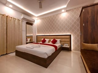 Residential and Commercial pictures:  Bedroom by STAT Design Studio,