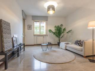 HOME STAGING. Aria nuova per un appartamento d'altri tempi Mirna Casadei Home Staging Soggiorno moderno