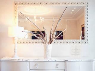 HOME STAGING piccolo hotel sul mare Mirna Casadei Home Staging Ingresso, Corridoio & Scale in stile classico