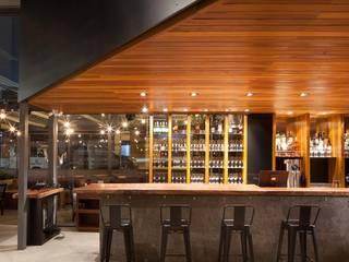 Eisen Holz Wine cellar