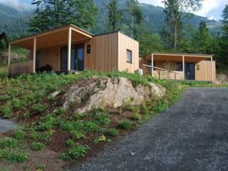 Chalet Park am Campingplatz Moderne Hotels von WoodCube GmbH Modern