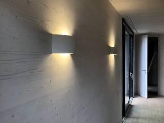 Modernes Gästehaus Moderne Esszimmer von WoodCube GmbH Modern
