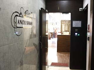 Anoli Shah Design Inc:  Commercial Spaces by Neha Changwani,Rustic