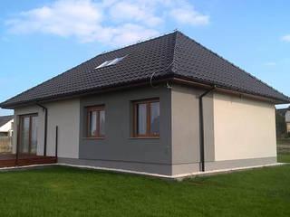 Dom z keramzytu w Ziemnicach Dom z Keramzytu Classic style houses