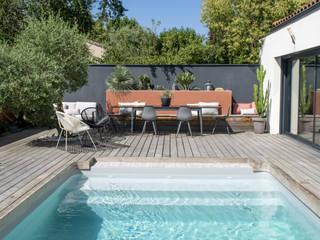 Un Jardin Terracotta & Noir Piscine méditerranéenne par E/P ESPACE DESIGN - Emilie Peyrille Méditerranéen