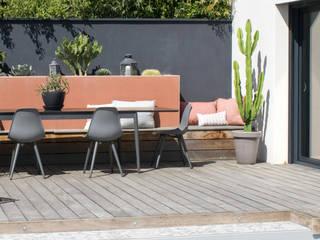 Garden by E/P ESPACE DESIGN - Emilie Peyrille, Mediterranean