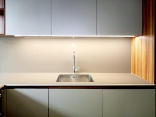 modern  by GAAPE - ARQUITECTURA, PLANEAMENTO E ENGENHARIA, LDA, Modern
