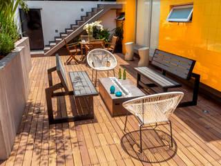 TERRAZA FLOW HOUSE Balcones y terrazas industriales de AMID Industrial