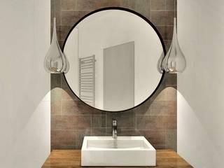Łazienki w obiekcie hotelowym Oasis Resort w Rewalu Wkwadrat Architekt Wnętrz Toruń Rustykalna łazienka Miedź/Brąz/Mosiądz Biały