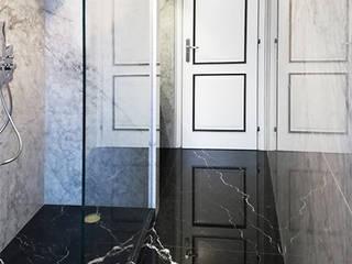 Canalmarmi e Graniti snc クラシックスタイルの お風呂・バスルーム 大理石