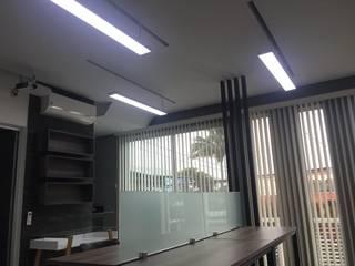 Proyectos comerciales Edificios de oficinas de estilo moderno de GARAY ARQUITECTOS Moderno