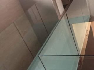 Ortiz Construcciones y Remodelacion Integral Rumah pasif Kaca Metallic/Silver