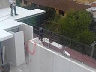 Ortiz Construcciones y Remodelacion Integral Rumah pasif Komposit Kayu-Plastik White
