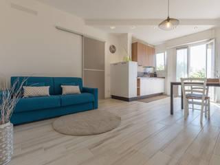 SERVIZIO FOTOGRAFICO E HOME STAGING LIGHT Mirna Casadei Home Staging Soggiorno moderno