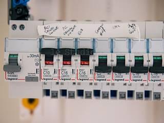 Installation Compteur Electrique Paris de Electricien Pro Moderno