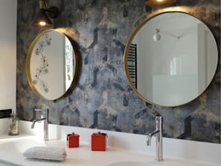Modern Bathroom by UN AMOUR DE MAISON Modern
