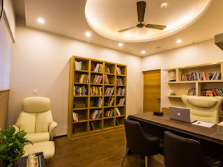 S Residence:  Study/office by Design Radiance,