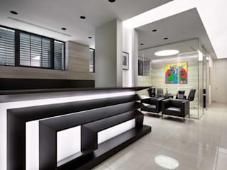 Modern offices & stores by Planika Modern