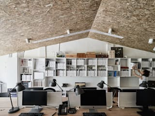理絲室內設計有限公司 Ris Interior Design Co., Ltd. Mediterranean style study/office Chipboard White