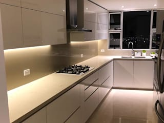 CARVIC INSTALACIONES ELECTRICAS Built-in kitchens