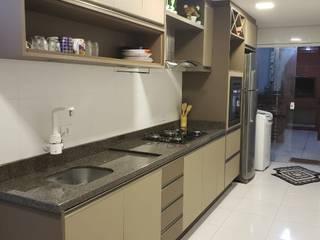Cozinha Marron Café Imperil por Marcenaria Conceito Concreto Moderno