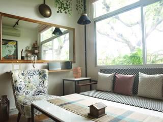 Air bnb C-scheme Jaipur Modern living room by flamingo architects Modern