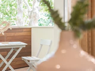 Hiên, sân thượng theo Mirna Casadei Home Staging,