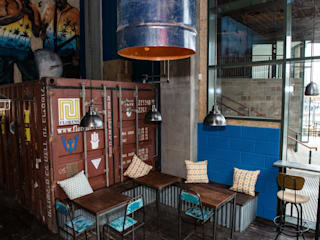 Calypso Kitchen Bares y clubs de estilo industrial de Hart Design and Construction Industrial