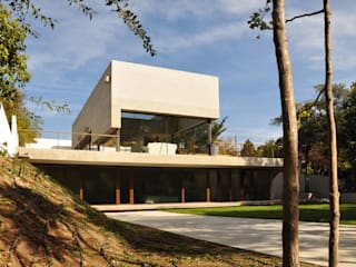 Vivienda Pineda: Casas de estilo  por Patricio Oteiza, Moderno