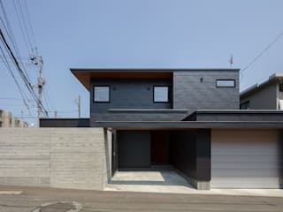 Modern houses by 株式会社 ATELIER O2 Modern