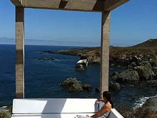 Cascabeles: Balcón de estilo  por Construccion Americana, Moderno
