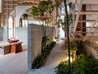 FUMIASO ARCHITECT & ASSOCIATES/ 阿曽芙実建築設計事務所 Mediterranean style study/office Wood