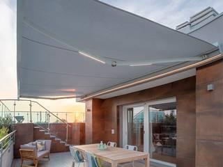 Tenda da sole R95 Brianzatende Balcone, Veranda & Terrazza in stile moderno Grigio