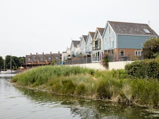 Fareham waterfront refurbishment and replanning project Rumah Modern Oleh dwell design Modern