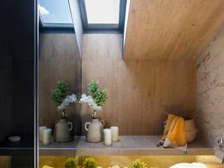 La Casa por el Tejado Baños de estilo moderno de Egue y Seta Moderno