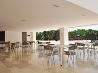 BREZZA TOWERS CANCUN de SINDO OUTDOOR Minimalista