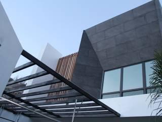RESIDENCIAL JDP Casas modernas de TANGENTE ARQUITECTURA Y CONSTRUCCIÓN Moderno