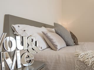 Modern style bedroom by Mirna Casadei Home Staging Modern
