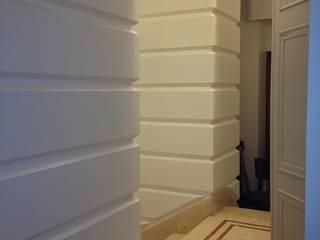 Falegnameria su misura Office spaces & stores Kayu White