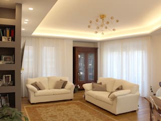 Living room by Architetto Luigia Pace, Classic