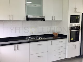Classic style kitchen by YR Solutions Classic