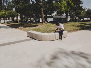 por BKT mobiliario urbano Moderno