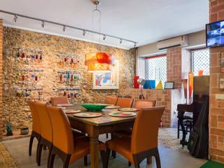 JOSE DIAZ FOTOGRAFIA Rustic style dining room Bricks Brown