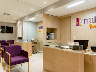 JOSE DIAZ FOTOGRAFIA Clinics Engineered Wood Brown