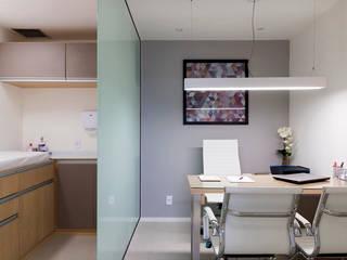 JOSE DIAZ FOTOGRAFIA Clinics Glass Grey