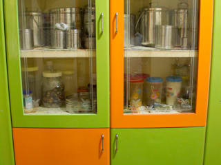 Mr. Srinivasan's Apartment @ Madipakkam:   by Ajith interiors,