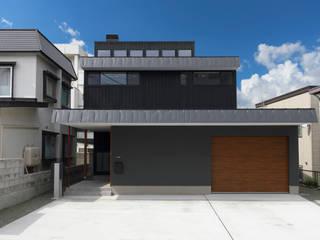 弘前・雪小見世の家 モダンな 家 の 清建築設計室/SEI ARCHITECT モダン