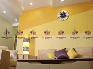 Mr. Alex Home Interior Design:  Living room by CeeBee Design Studio,