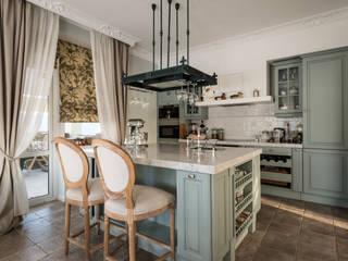 Загородный дом для постоянного проживания в Новой Москве: Кухни в . Автор – SJull Design,